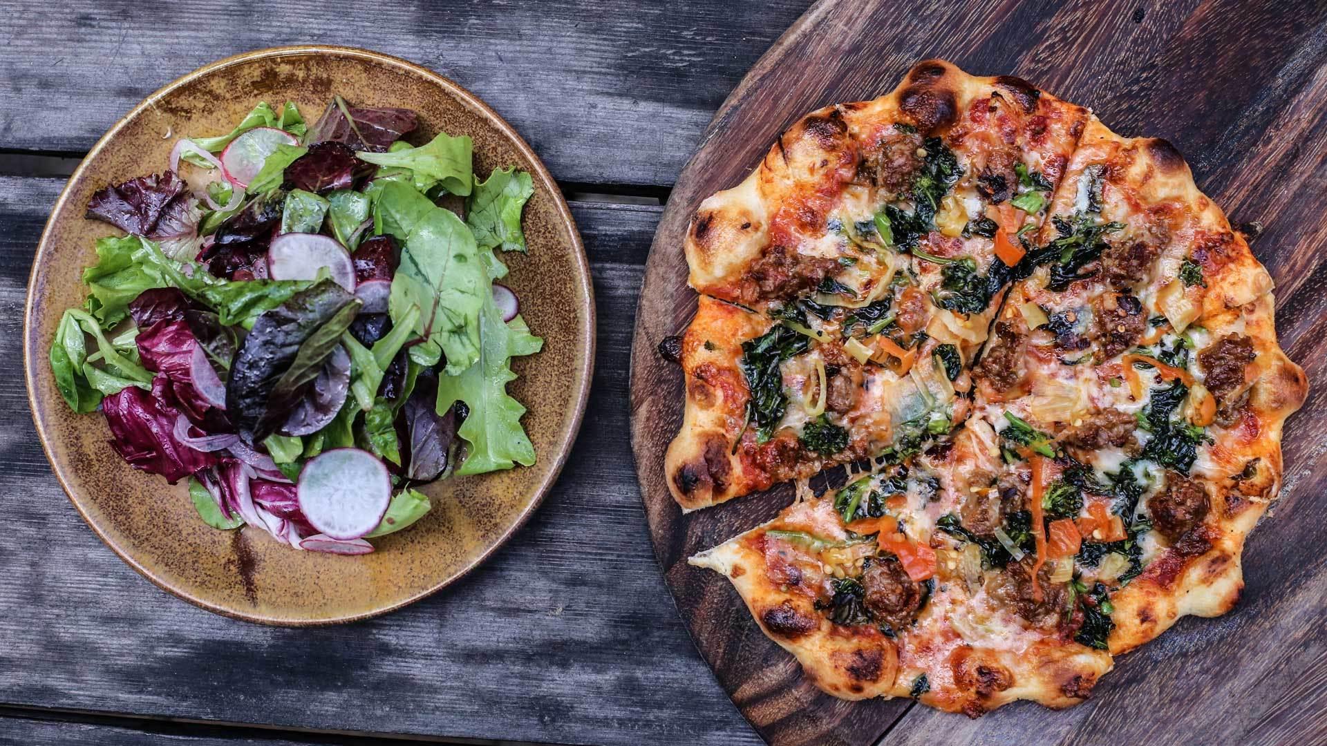 Pork sausage pizza web